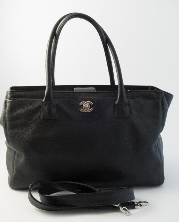 9a11173ad58102 Authentic Preloved Chanel Cerf Tote Bag in Black Calfskin with Silver  Hardware | The Finer .