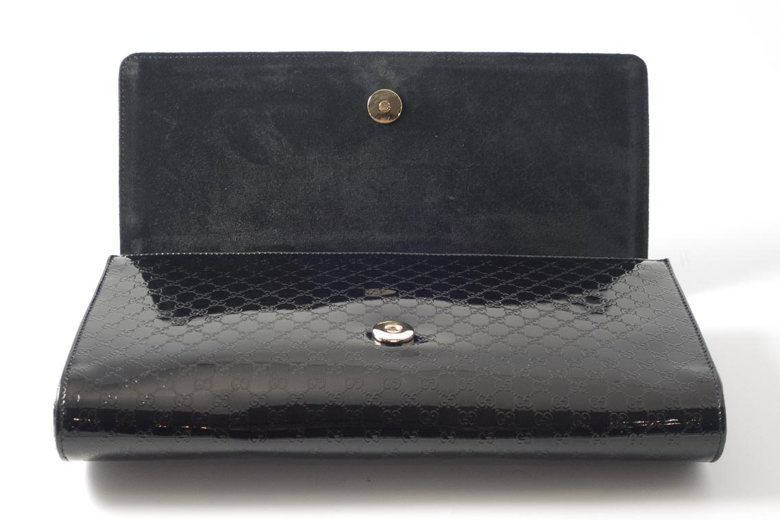 396481d0345 Authentic Preloved Gucci Large Broadway Clutch Bag in Black Patent Leather  with Gold Hardware