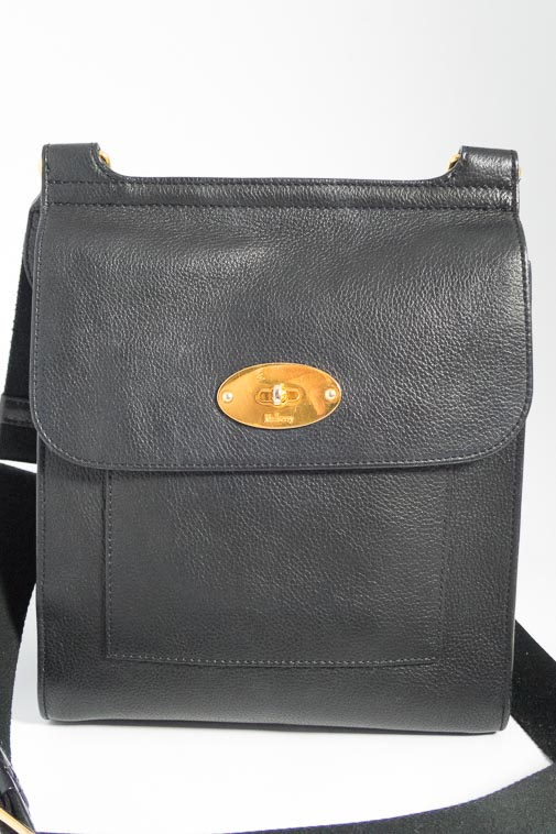 1e8a2c8b6117 ireland authentic preloved new style mulberry antony in black classic grain  leather with gold hardware the