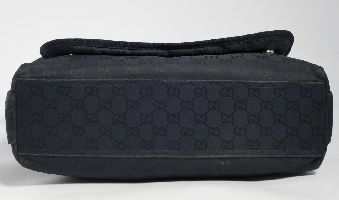 32fe308267c878 Authentic Preloved Gucci Baby Changing Bag in Navy Nylon | The Finer Things  Aberdeen