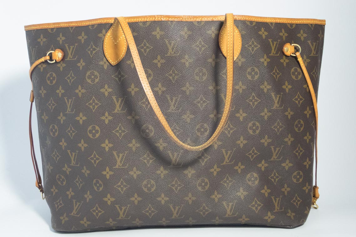 b22a80e767 Authentic Preloved Louis Vuitton Neverfull GM in Monogram Coated Canvas  with Brass Hardware Ref 1