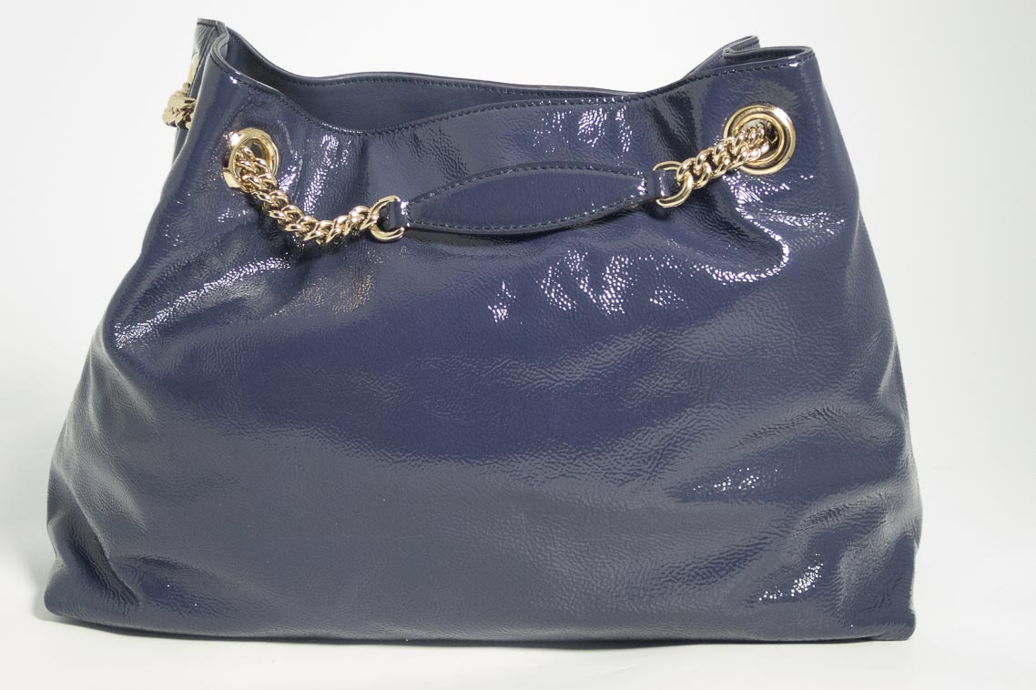 57b385b21b93f Authentic Preloved Gucci Soho Chain Tote Bag in Navy Patent leather with  Gold Hardware