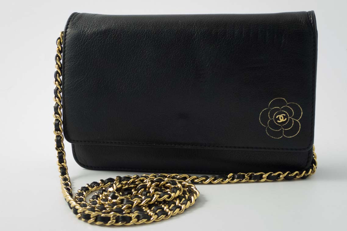 0457363d767773 Authentic Preloved Chanel Camellia Woc Wallet on Chain in Black with ...