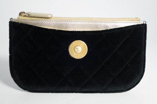 f2d39c975b Authentic Preloved Chanel Pouch   Mini Clutch   O case in Black Velvet with  Gold Hardware