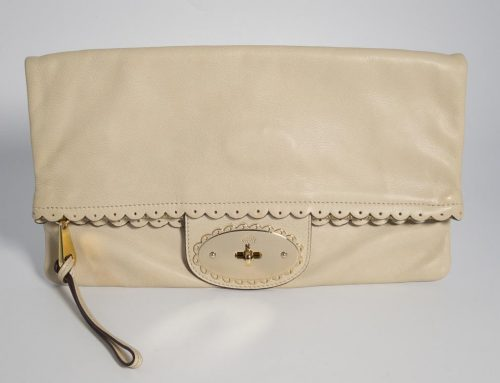 b54f0b0b07 Authentic Preloved Mulberry Cookie Clutch Bag in Pebbled Beige Cream with  Soft Gold Hardware